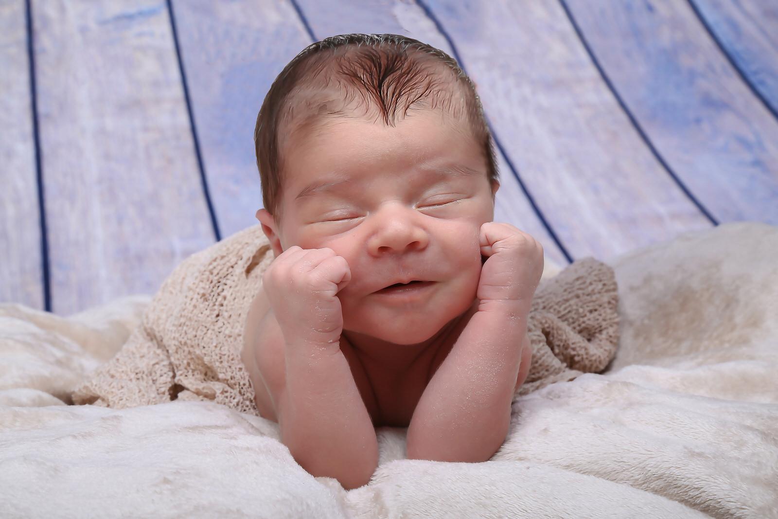 newborn foto artistica neonato